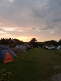 Unser Camping-Bereich (Shinji steht ganz hinten rechts, weiter nördlich ist Winterfell